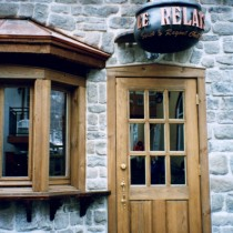 LE RELAIS Restaurant, Mont-Tremblant 1999 - False cement stone production, installation and paint