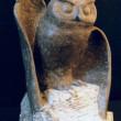 Hibou - L'Aigle de la Nuit 1999 - Sculpture taille directe en pierre de calcaire de Saint-Marc. 34 cm X 24 cm X 22 cm PROJET PERSONNEL